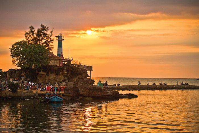 Hải đăng Dương Đông