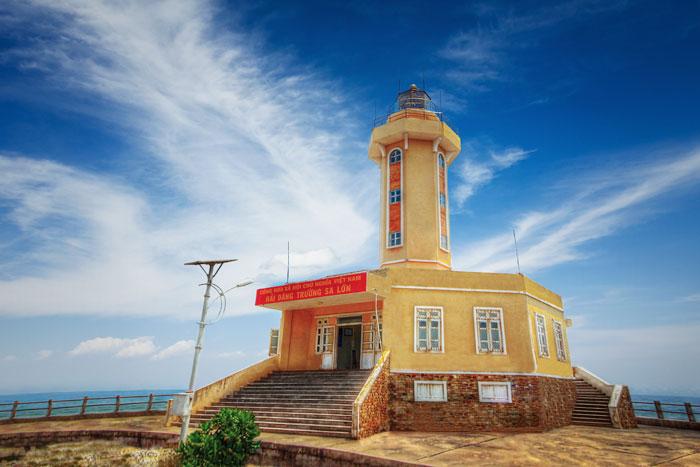 Hải đăng Trường Sa Lớn - quần đảo Trường Sa được thi công năm 2009