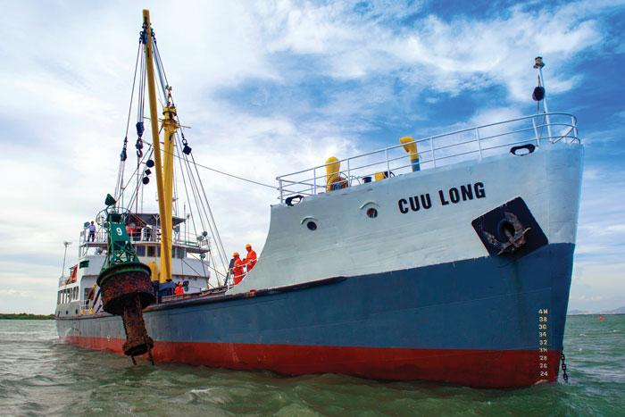 Tàu tiếp tế, thay thả phao Cửu Long
