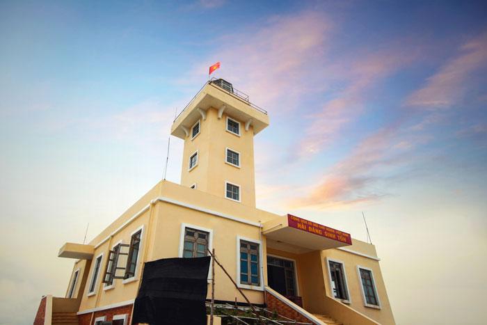 Hải đăng Sinh Tồn - quần đảo Trường Sa được thi công năm 2010
