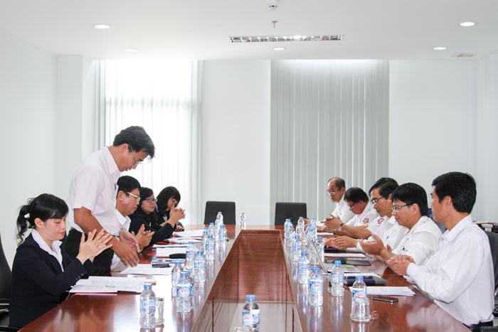 Quang cảnh cuộc họp Chi bộ Công ty Hoa tiêu hàng hải khu vực IX