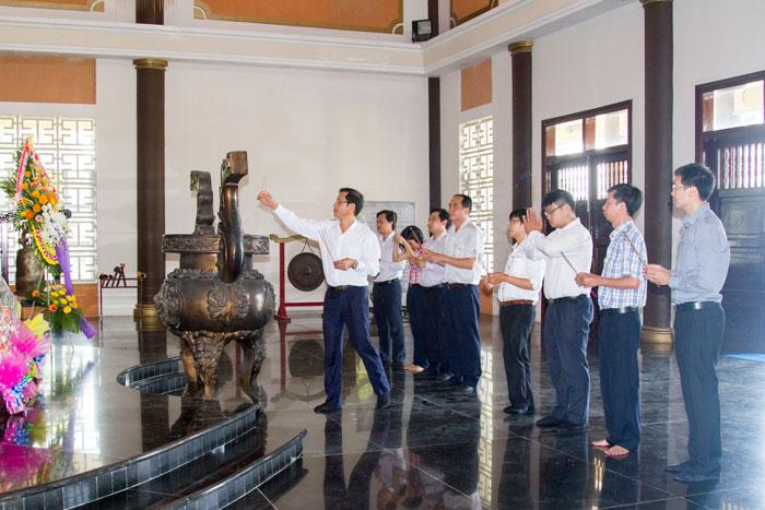 VMS-South viếng đền thờ liệt sỹ TP. Vũng Tàu