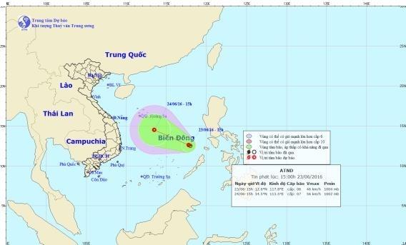Dự báo trong 24 giờ tới, áp thấp nhiệt đới di chuyển theo hướng Tây Tây Bắc, và có khả năng mạnh thêm