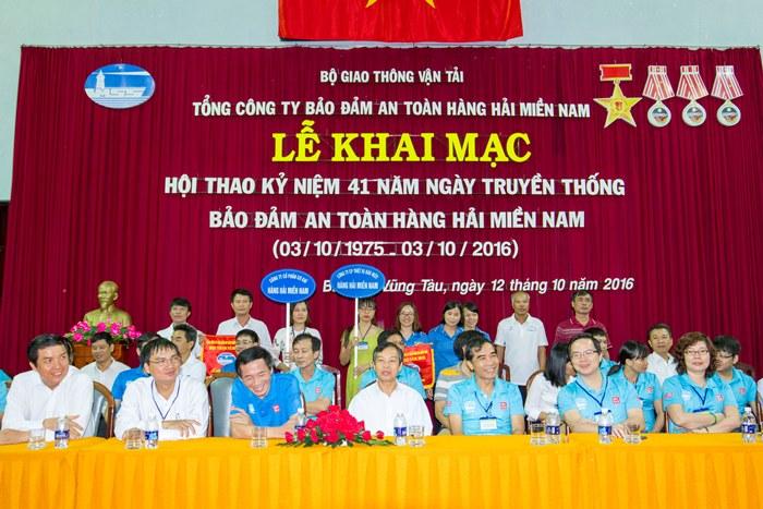 1. Le Khai mac (53)