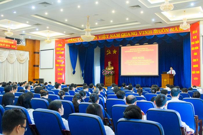 (Vietnamese) Hội nghị học tập, quán triệt Nghị quyết Hội nghị lần thứ năm Ban Chấp hành Trung ương Đảng (khóa XII)