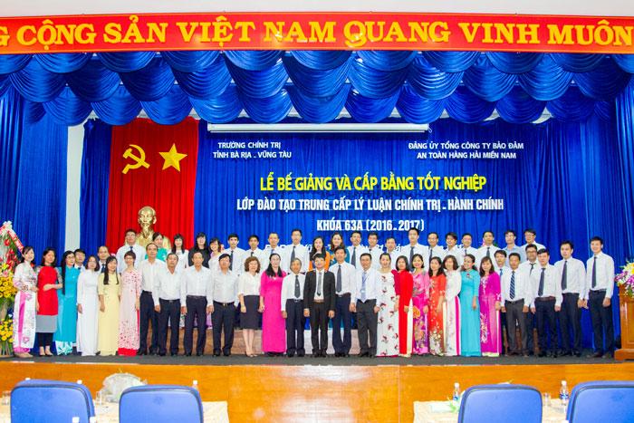 Lễ Bế giảng và cấp Bằng tốt nghiệp Lớp đào tạo Trung cấp lý luận chính trị – hành chính Khóa 63A (2016- 2017)