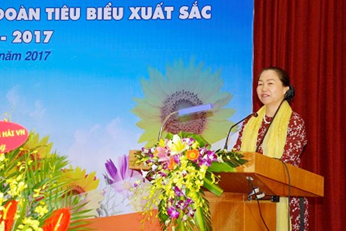 Đ/c Nguyễn Thị Thu Hồng, Phó Chủ tịch Tổng Liên đoàn Lao động Việt Nam phát biểu chúc mừng Hội nghị