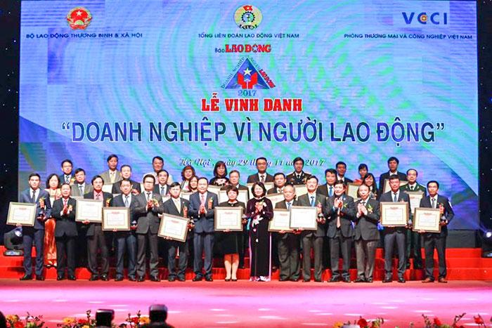"""(Vietnamese) VMS-South: Lần thứ 4 liên tiếp nhận giải thưởng """"Doanh nghiệp vì người lao động"""""""