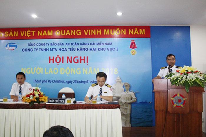 Đ/c Quách Đình Hùng, Giám đốc Công ty Hoa tiêu hàng hải khu vực I phát biểu tại Hội nghị