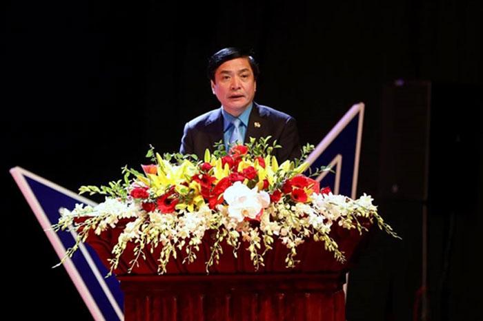 Ông Bùi Văn Cường - Ủy viên Trung ương Đảng, Chủ tịch Tổng LĐLĐVN phát biểu tại buổi lễ