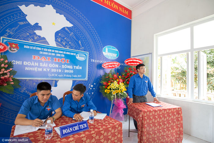Đ/c Trần Minh Thuận, Bí thư Đoàn TN Tổng công ty phát biểu tại Đại hội