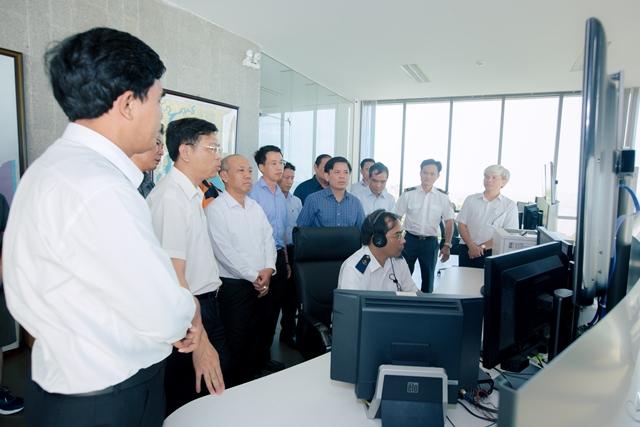 Bộ trưởng cùng đoàn công tác Bộ GTVT thăm trạm VTS Vũng Tàu