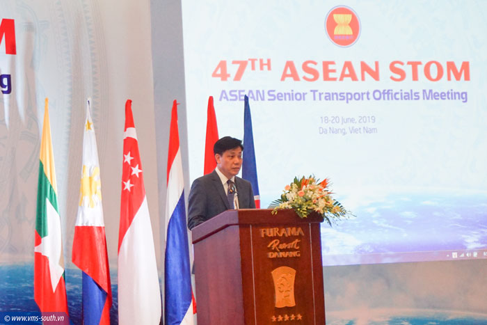 Thứ trưởng Bộ GTVT Việt Nam Nguyễn Ngọc Đông phát biểu tại Hội nghị
