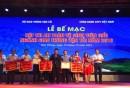Ông Đỗ Nga Việt, Chủ tịch Công đoàn GTVT Việt Nam trao giải ba cho VMS-South cùng 3 đơn vị khác