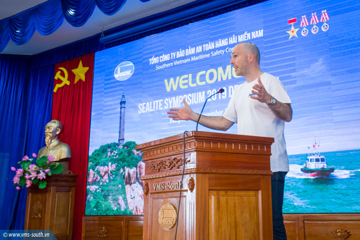 Mr. Michael Walker - Head of Global Sales thanked the warm welcome from VMS-South and hoped that the two sides would strengthen their closer cooperation in Maritime Safety