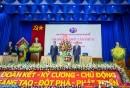 Đồng chí Nguyễn Văn Công, Ủy viên Ban Cán sự Đảng, Thứ trưởng Bộ GTVT tặng hoa chúc mừng Đảng bộ VMS-South.